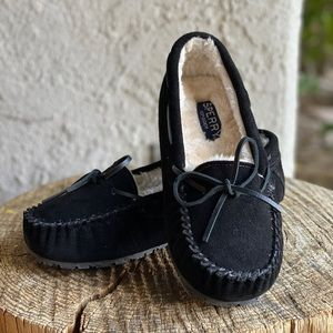 Sperry Junior Trapper Slippers Color- Black